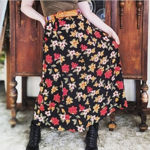 Vintage Sag Harbor Floral Skirt W/ Belt
